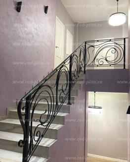 Отделка лестницы из керамогранита Opal Bone
