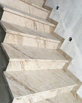 Лестница из керамогранита Tigrato