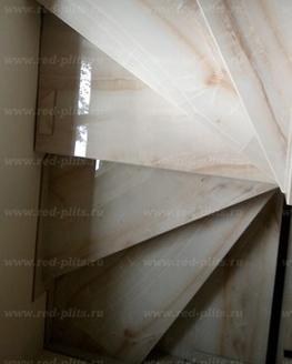 Лестница из керамогранита Opal Bone