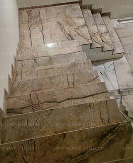 Отделка лестницы из керамогранита Grueso